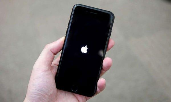 IPHONE STUCK DEKAT LOGO APPLE