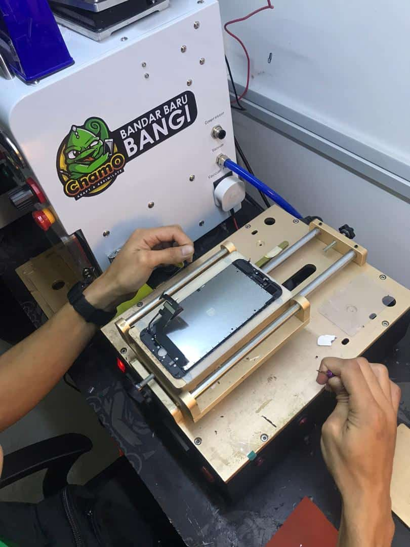 GLASS IPHONE REPLACEMENT