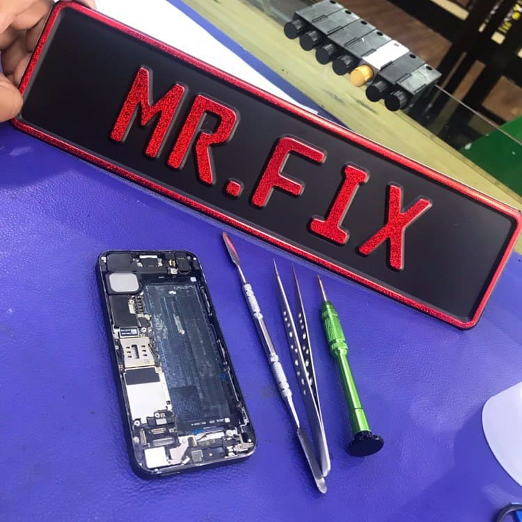 Smart Phone Repair and Laptop Specialist