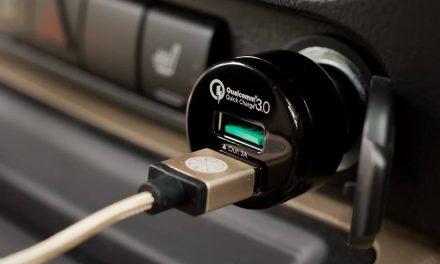 Cas Guna Soket Kereta Boleh Rosakkan Bateri Telefon Anda?